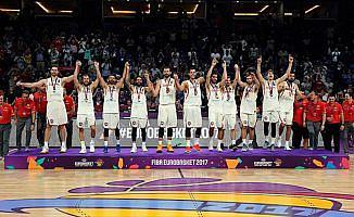 İspanya, Rusya'yı 93-85 yenerek bronz madalyanın sahibi oldu