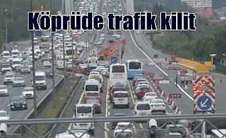İstanbul'da trafik kilit: Kuyruklar uzadıkça uzuyor