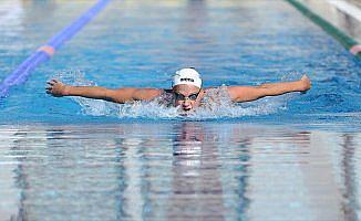 İsveçli 'Altın kulaç' yarışlara Antalya'da hazırlanıyor
