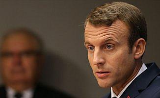 Macron, Barzani'den referandumun ertelenmesini istedi
