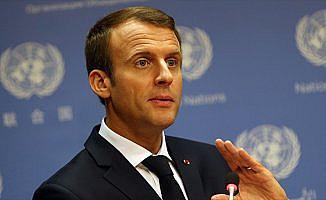 Macron, internet devlerinin vergilendirilmesinde kararlı