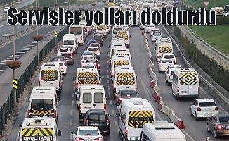 Okullar açıldı, İstanbul yolları ilk gün kilit