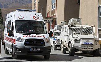 PKK'lı teröristlerle çıkan çatışmada bir korucu şehit oldu