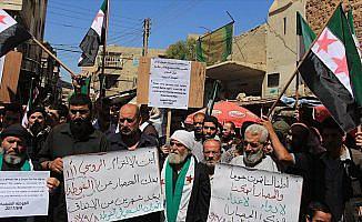 Suriye'de 'Mistura' ve 'Kimyasal Beşşar' protestosu