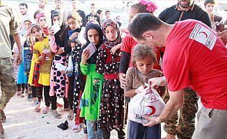Türk Kızılayı Suriye'de kurban eti dağıtıyor