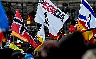 Almanya'da ırkçı PEGIDA gösteri düzenledi