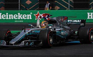 Hamilton şampiyonluk sayısını 4'e çıkardı
