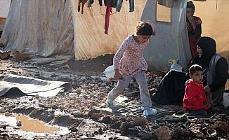 İdlib'deki bazı sığınmacı kampları su altında kaldı