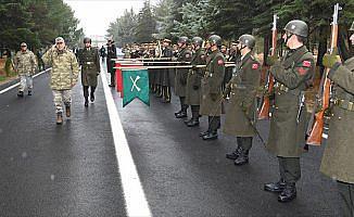 Komutanlardan Diyarbakır'daki birliklerde inceleme