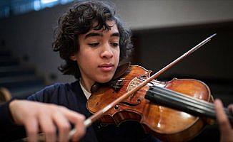 'Mozart kulağı'na sahip genç müzisyen senfoni yazıyor