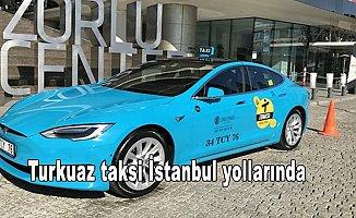 Turkuaz taksi İstanbul yollarında