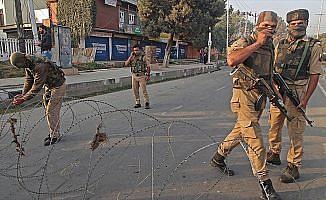 Cammu Keşmir'de çatışma: 2 Hint askeri ve 1 direnişçi öldü