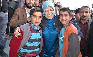 'Çocuklarımız sevgi türküleri, barış şarkıları söyleyecek'