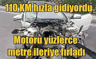Esenler'de kaza: Lüks otomobilin motoru yüzlerce metre ileri fırladı