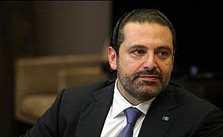 Hariri sonunda Lübnan'a döndü; İstifası bekleniyor