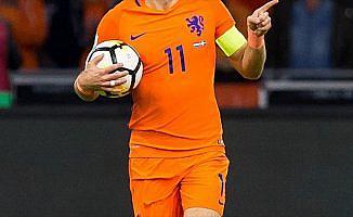Hollanda futbolu her kulvarda düşüşte