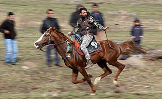 Köyler arası turnuvalarla ata sporunu yaşatıyorlar