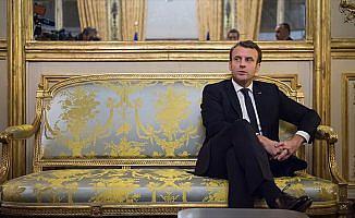 Macron, Paris'te Szydlo ile görüştü