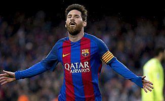 Messi, 2021'e kadar Barcelona'da