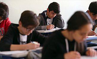 Özel liseler MEB'in merkezi sınav sonuçlarını baz alacak