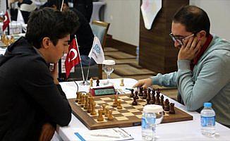 Satrançta 'Türkiye'nin en iyileri' mücadele ediyor
