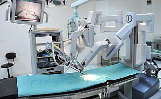 Türkiye robotik cerrahiyle organ naklinde dünya ikincisi