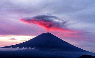 Bali Adası'nda Agung Yanardağı'ndaki hareketlilik