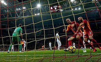 Galatasaray geri adım atmıyor