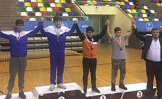 Geleceğin Şampiyonları Okulları Adına Güreştiler