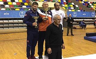 İBB'nin Yıldız Güreşçileri Şampiyon Oldu