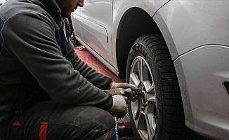 TŞOF'tan kış lastiği uyarısı: Tüm araçlara kış lastiği takılmalı