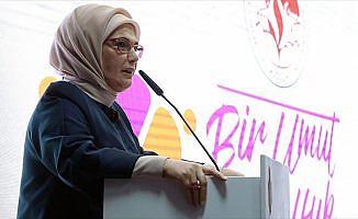 'Türkiye ve Suriyeliler arasında kardeşlik örneği yaşanıyor'
