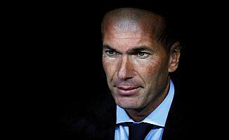 Zidane, Barcelona'yı ikiye katladı