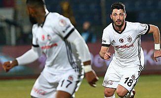 Beşiktaş Tolgay Arslan'ın sözleşmesini uzattı