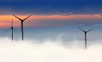 Rüzgar enerjisi 'ayaklarının üzerinde'