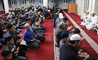 Siirt'te sabah namazında Zeytin Dalı Harekatı için dua