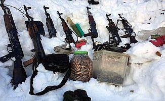 Tunceli'de terör operasyonunda silah ve mühimmat ele geçirildi