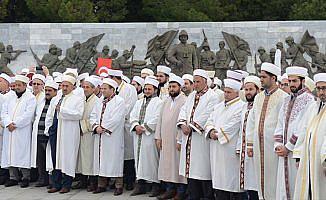Din görevlileri şehitler diyarında Mehmetçik için dua etti