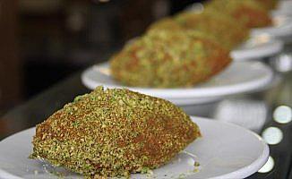Gastronomi şehrinin yeni lezzeti 'fıstıklı çiğ köfte dolması'