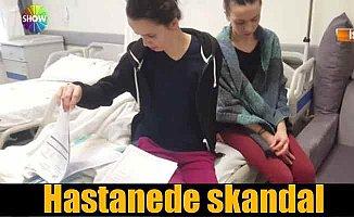 Hastanede skandal; Doktor hasta odasında duş aldı traş oldu