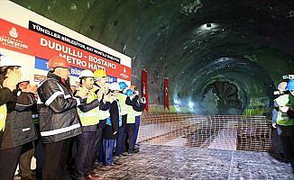 İkinci sürücüsüz metronun tünelleri birleşti