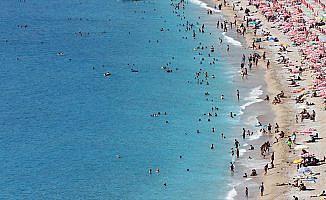 Yabancı turistte çift haneli artış beklentisi