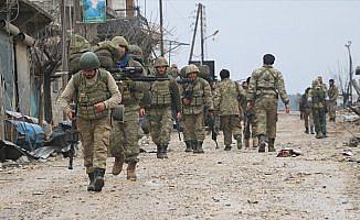 YPG/PKK'lı teröristler sivillerin arasında gizlenmeye çalışmış