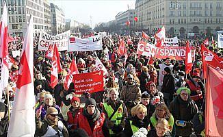 Almanya'da kamu çalışanlarından uyarı grevi: 35 bin kişi iş bıraktı