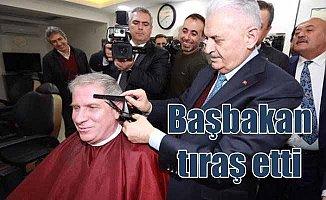 Başbakan Yıldırım, berberde saç tıraşı yaptı