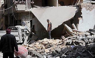 Esed rejimi Doğu Guta'yı bombalamaya devam ediyor