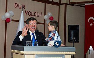 Eski Başbakan Davutoğlu: En kıymetli özgürlük, zihin özgürlüğüdür