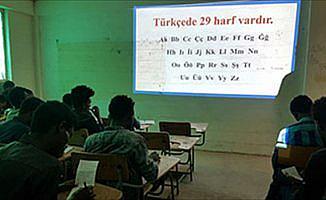 Etiyopyalı öğrenciler Türkçe sınıflarına sığmıyor