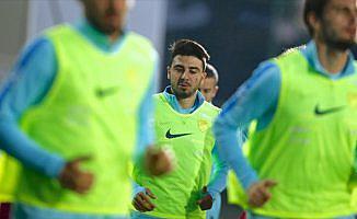 Fenerbahçe'de Ozan Tufan'a af