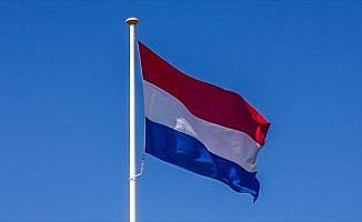Hollanda'da başörtülü adaya ırkçı saldırı
